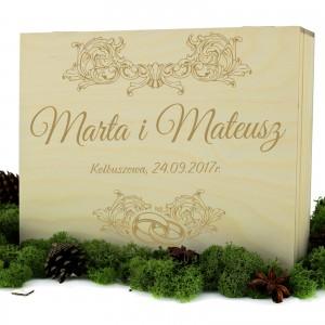 pudełko upominkowe z personalizacją dla nowożeńców