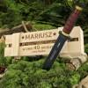 personalizowany nóż w drewnianej skrzynce
