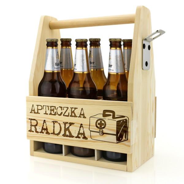drewniana skrzynka z grawerem imienia nosidło na piwo