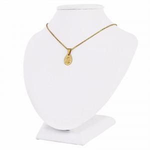 złoty łańcuszek z medalikiem