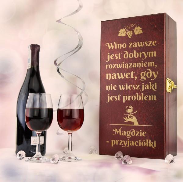drewniana skrzynka na wino z grawerem + 2 kieliszki