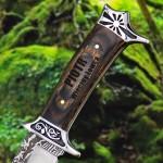 nóż z grawerem na oryginalny prezent dla niego