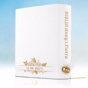 biblia z personalizowaną okładką na prezent z okazji ślubu