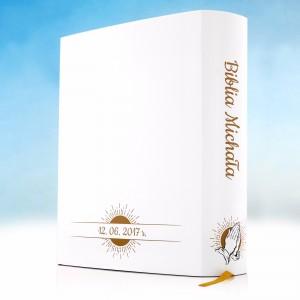 biblia na prezent z okazji komunii z personalizowaną okładką