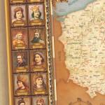 elegancka mapa w złotej ramie