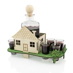 karafka domek z kieliszkami na prezent na parapetówkę