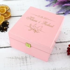 pudełko na herbatę z grawerem na prezent dla nowożeńców
