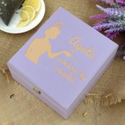 drewniane pudełko na herbatę na upominek dla niej