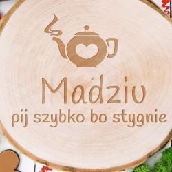 drewniana podstawka z grawerem personalizacji na prezent