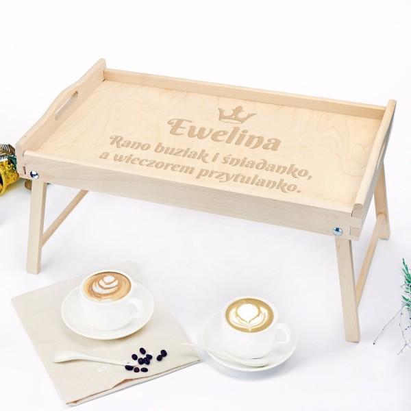 stolik śniadaniowy z grawerem na prezent dla niej