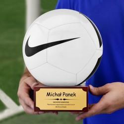 piłka na prezent dla piłkarza