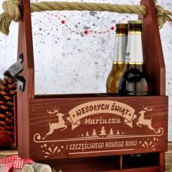 drewniana skrzynka i kufel na piwo na prezent dla niego na święta