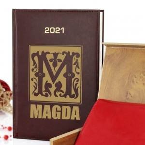 kalendarz i portfel z personalizacją dla niej na 2021 rok