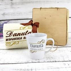 ręcznik i kubek z personalizacją na prezent dla babci
