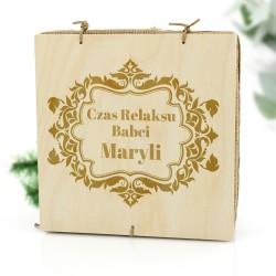 spersonalizowane drewniane pudełko na prezent dla babci