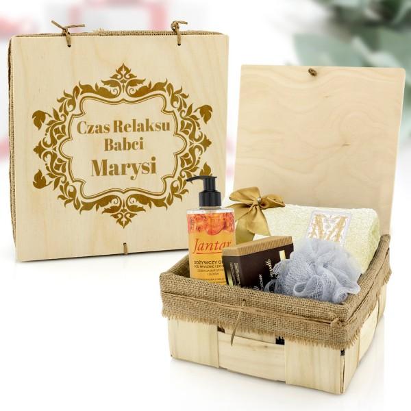 zestaw kąpielowy w drewnianej szkatułce na prezent