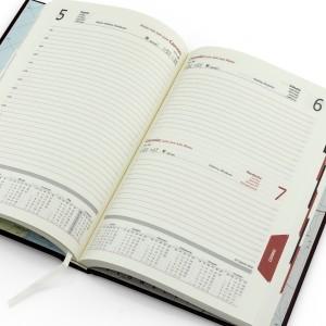 kalendarz z grawerem dla niej