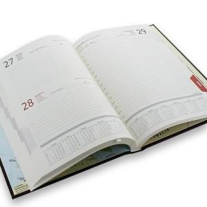 kalendarz z grawerem na prezent urodzinowy