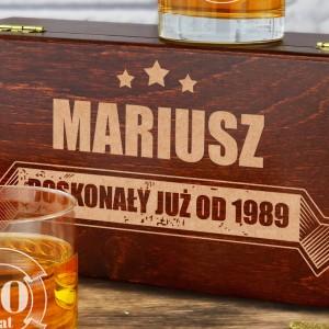 zestaw do whisky z grawerem na prezent urodziny