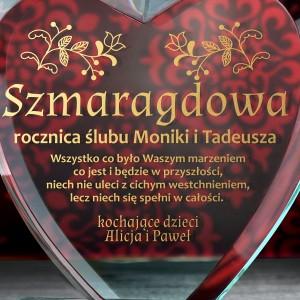 prezent na szmaragdową rocznicę ślubu szklana statuetka z grawerem