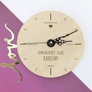 zegar z grawerem na prezent dla niej