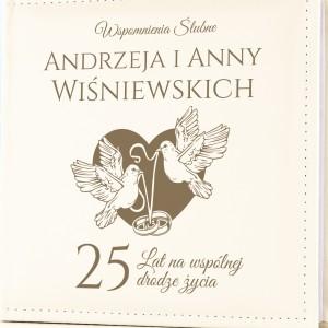 prezent na 25 rocznicę ślubu album na zdjęcia z grawerem imion