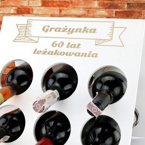 stojak na wino drewniany z grawerem