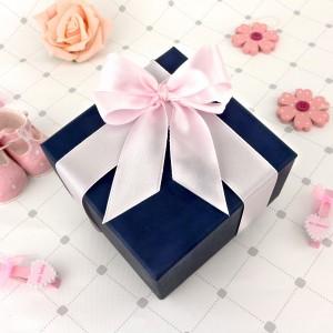 opakowanie prezentowe dla dziewczynki na chrzest
