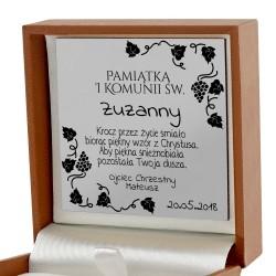prezent na komunię dla dziewczynki naszyjnik pendrive z grawerem