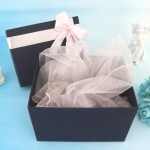 opakowanie prezentowe na chrzest dla dziewczynki