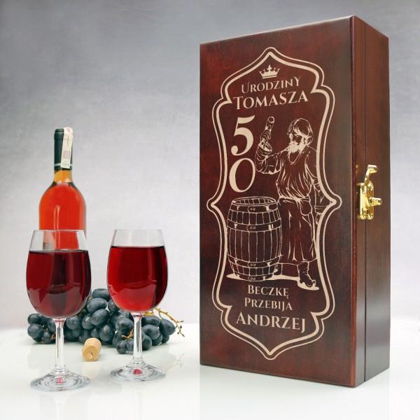 drewniana skrzynka na wino z grawerem na prezent na 50 urodziny dla szefa