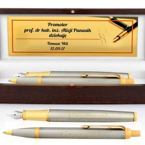 Grawerowany długopis i pióro w drewnianym etui