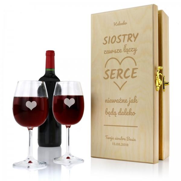 skrzynka i kieliszki na wino z grawerem na prezent dla siostry