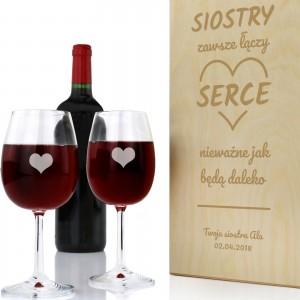 skrzynka na wino z grawerem na prezent dla siostry