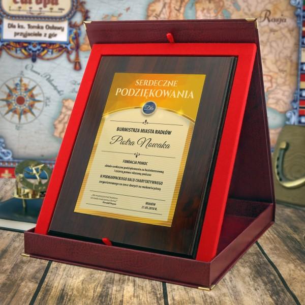 certyfikat na prezent z  grawerem dedykacji