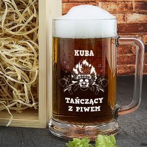 oryginalny prezent na 18 grawerowany kufel na piwo w skrzynce