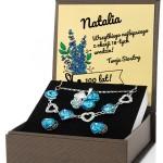 biżuteria w pudełku z personalizacją na prezent na 18 urodziny siostry