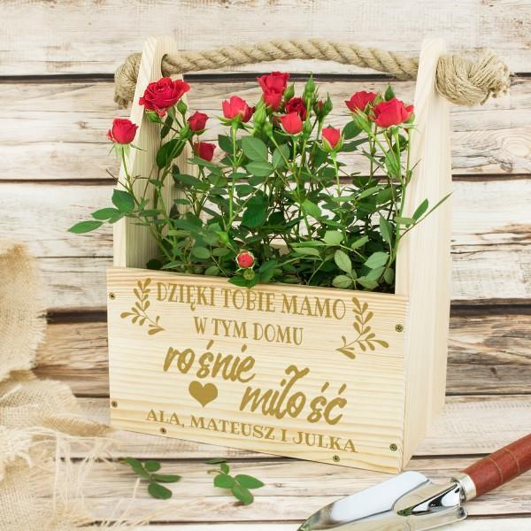 skrzynka na kwiaty z grawerem na prezent dla mamy