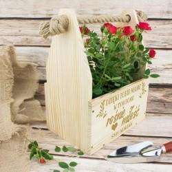 drewniana skrzynka na kwiaty na prezent dla mamy