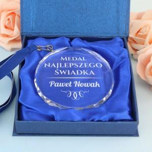 szklany medal z grawerem na podziękowanie dla świadka