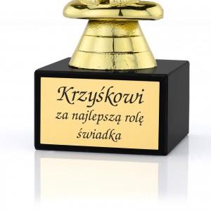 statuetka oscar z grawerem dedykacji na podziękowanie dla świadka