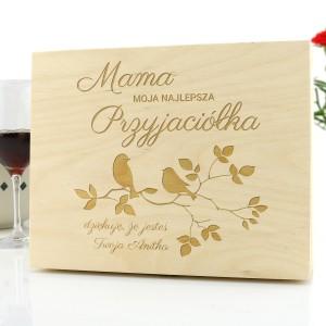 drewniana skrzynka z grawerem na prezent  z okazji dnia mamy