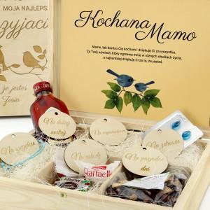 drewniane pudełko wspomnień z personalizacją na prezent dla mamy
