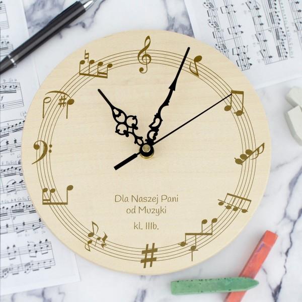 prezent dla nauczycielki muzyki drewniany zegar z grawerem