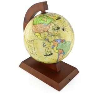 globus w drewnianej oprawie z grawerem