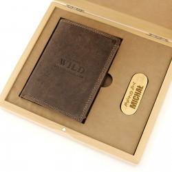 prezent dla brata portfel i pendrive w skrzynce z grawerem