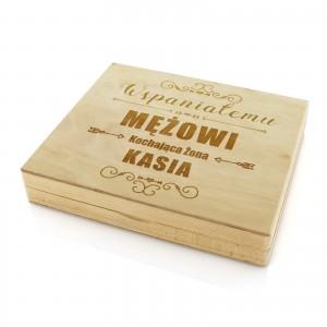 prezent na rocznicę ślubu dla męża drewniana skrzynka z grawerem