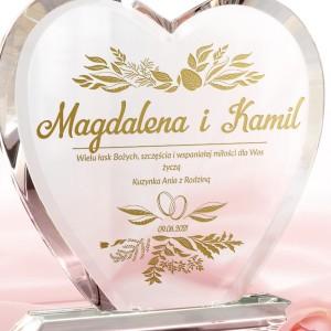 szklana statuetka z grawerem na prezent ślubny
