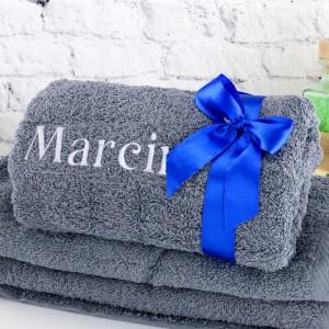ręcznik z haftem na prezent dla chłopaka na urodziny