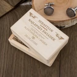 grawerowana skrzynka ze spinkami do mankietów na oryginalny prezent dla świadka